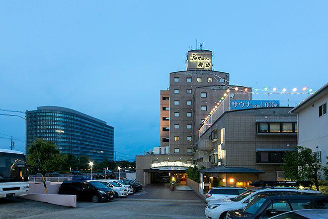 プラザホテル豊田の外観夕景