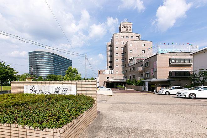 プラザホテル豊田の外観昼景