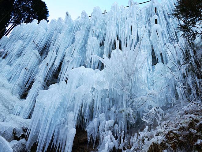湧水広場の「氷瀑」